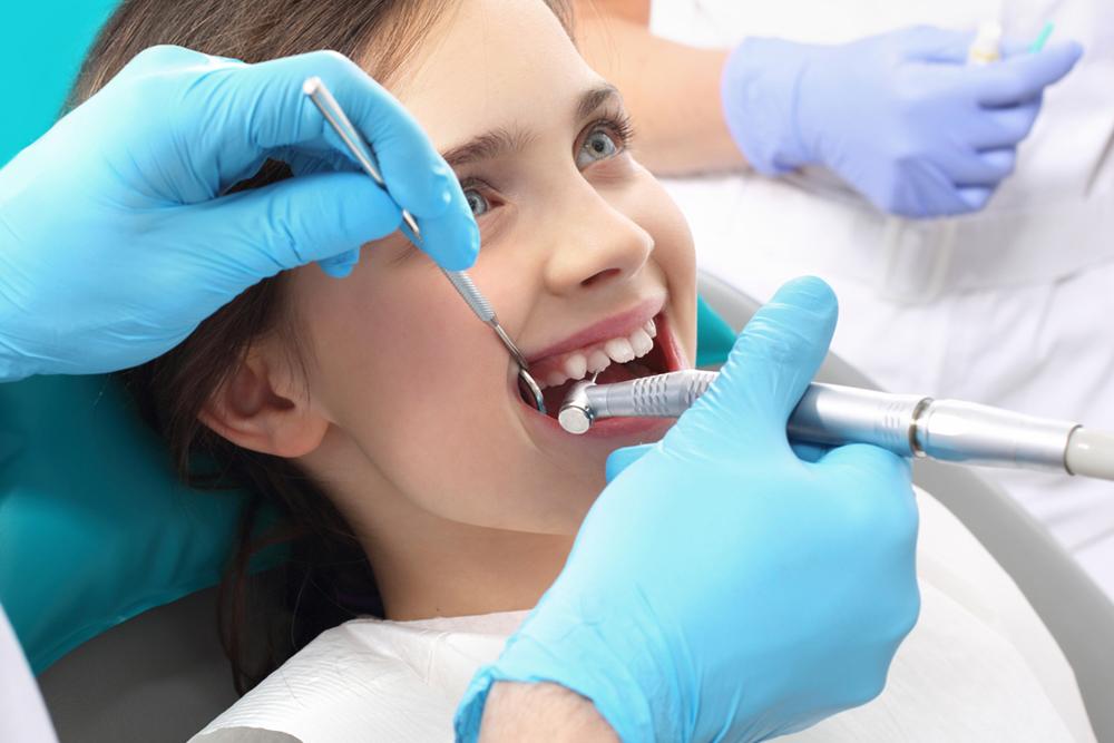 http://pearlsdentistry.in/wp-content/uploads/2015/11/EndodonticsRootCanalTreatment1.jpg