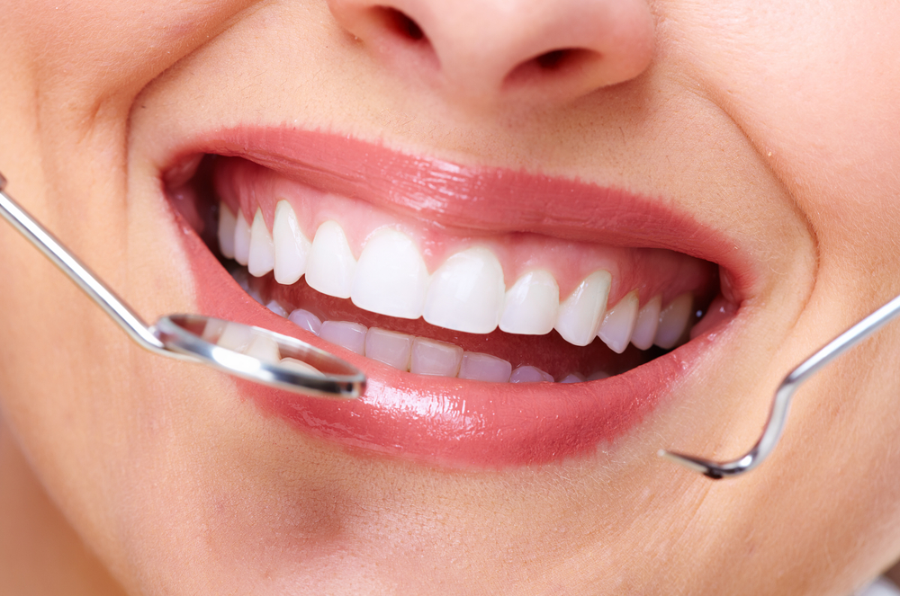https://pearlsdentistry.in/wp-content/uploads/2015/11/CosmeticDentistrySmileMakeOver.jpg